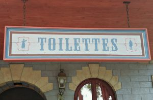 disneyland-paris-restroom-signs1