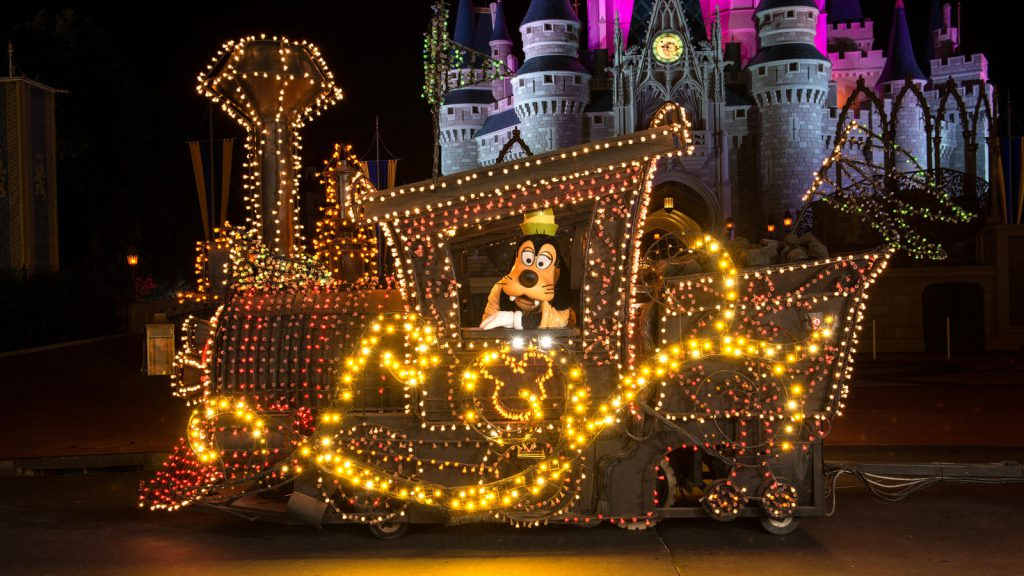 Main Street Electrical Parade WDW 3
