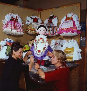 alice_davis_and_mary_blair_1964_small_world_dolls