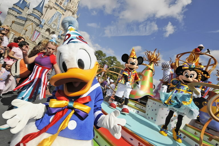 os-disney-magic-kingdom-move-it-shake-it-20140821